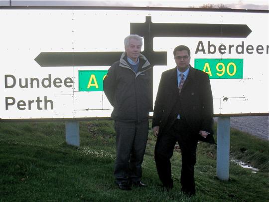 Sanjay Samani visits Lochlands Junction with Lib Dem Cllr David May